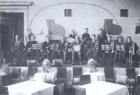 "Yakov Borisovich Skomorovsky Jazz Orchestra (performance in the Leningrad hotel ""European""). The photo. (Джаз-оркестр Якова Борисовича Скоморовского (выступление в ленинградской гостинице ""Европейская""). Фотография.) (Belyaev)"